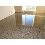 pisos de granilite polido Morumbi