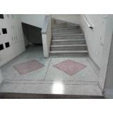 restauração em piso granilite